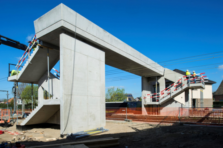 Overpass over railway line - Kiewit | Willemen