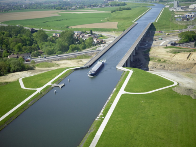 Pont Canal Strepy Bracquegnies Willemen